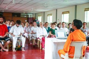 Vortrag in Amritapuri